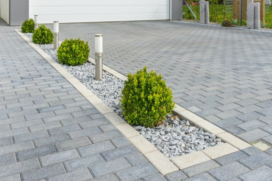 10 Incredible Stone Paving Ideas