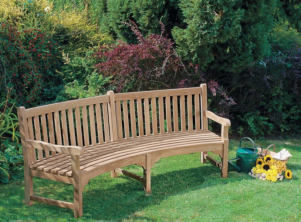 7 Garden Furniture to Make your Garden Comfortable